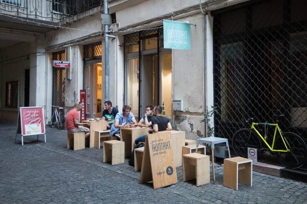 Kontakt, Budapest, interior, tables