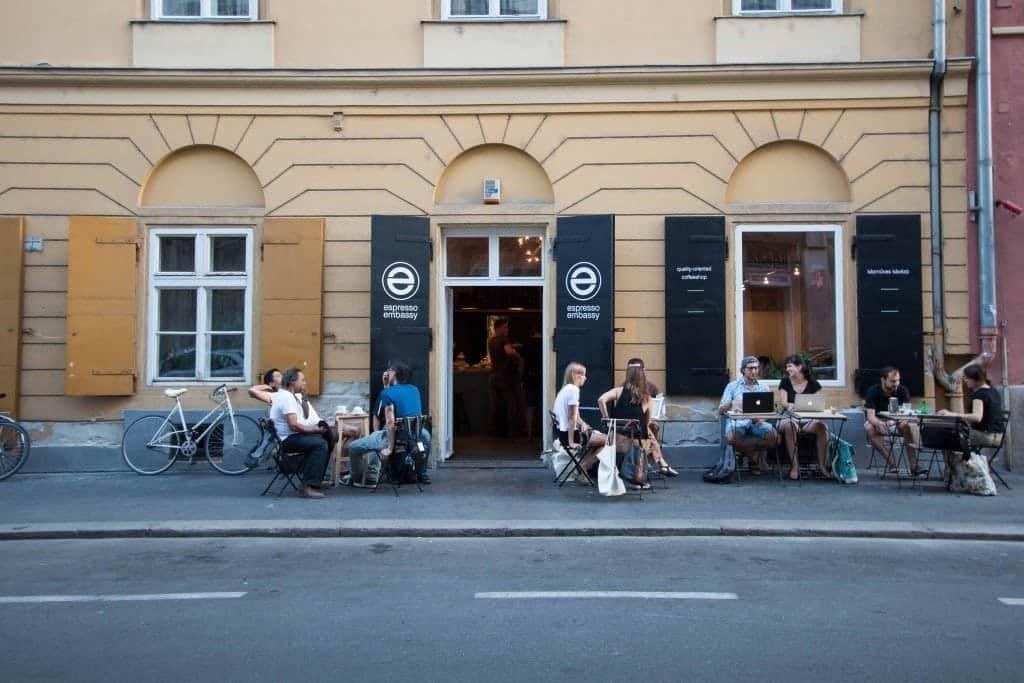 Espresso Embassy, Budapest,  Entrance