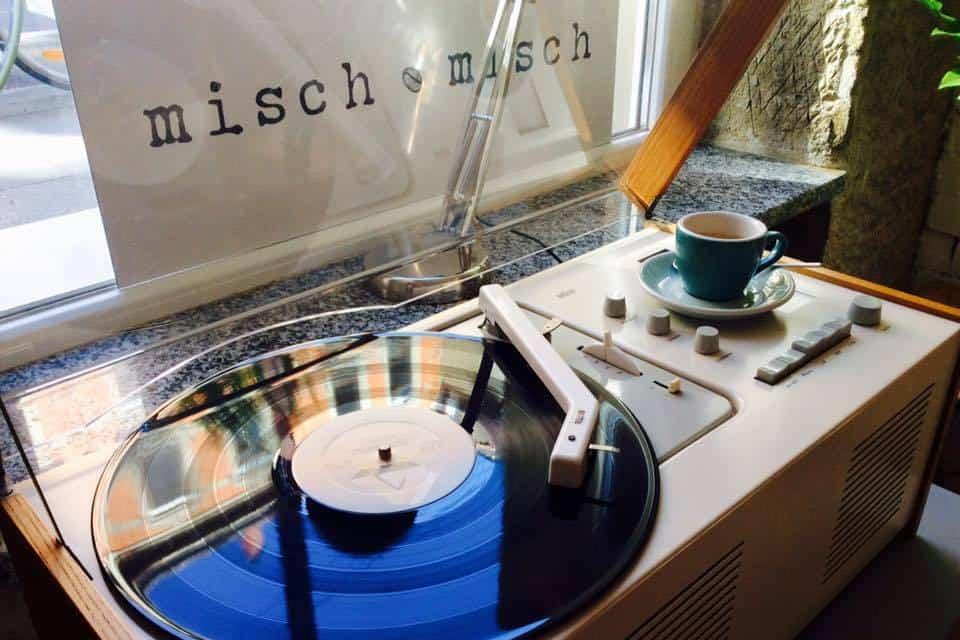 Record player at Misch Misch