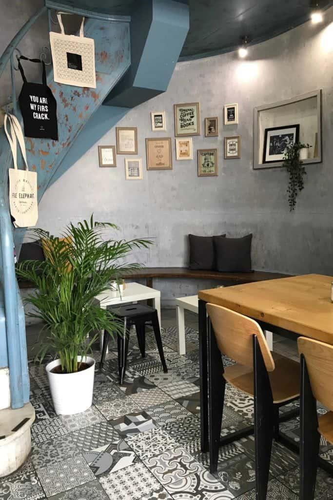 Foyer Espresso, Athens, notNeutral Lino cups
