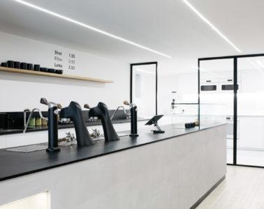 CombineCafé in St Andrews - Bar with Modbar AV system